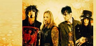 Mötley Crüe with Alice Cooper